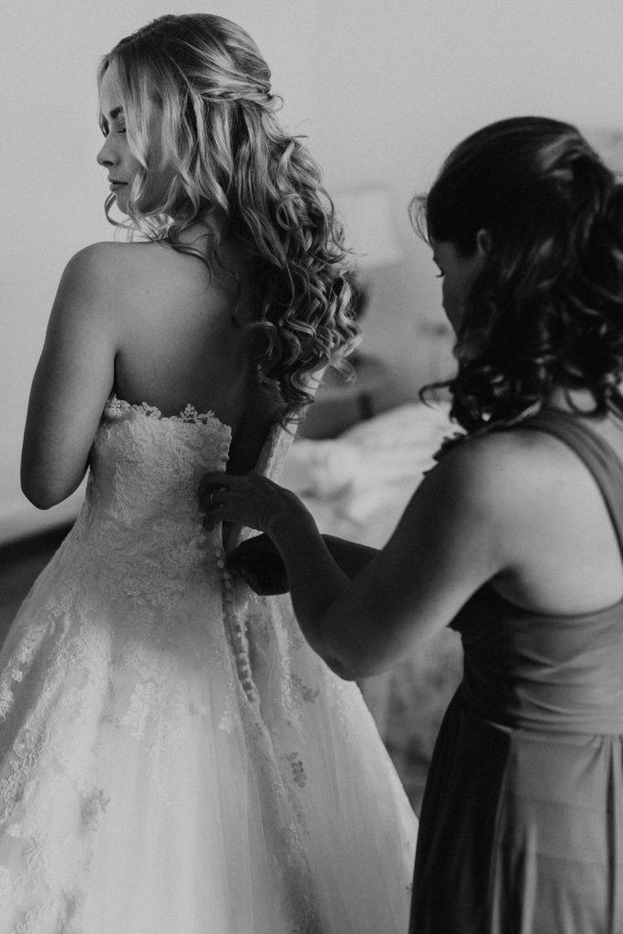 Hochzeit_Kuenkele_Muehle_Getting_Ready_Braut