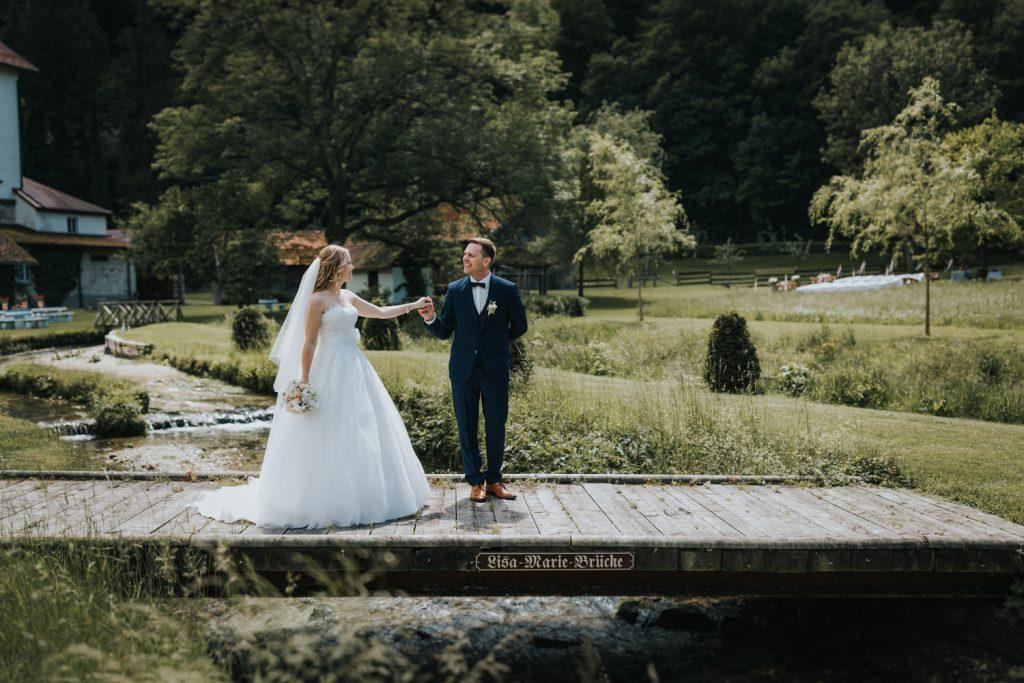 Hochzeit_Kuenkele_Muehle_Brautpaar
