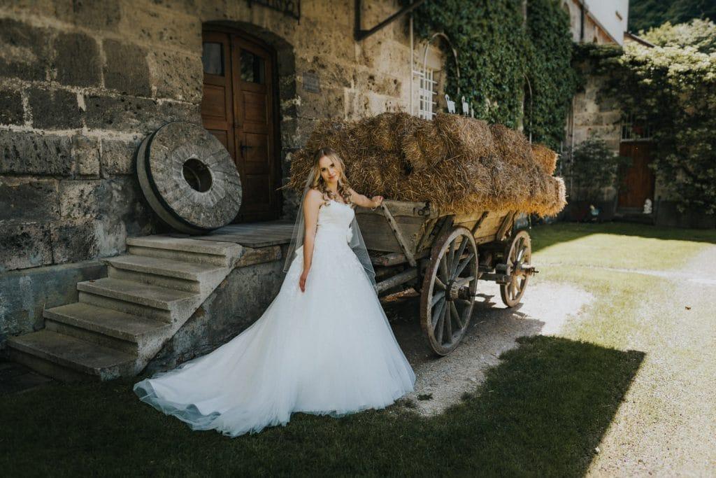 Hochzeit_Kuenkele_Muehle_Braut
