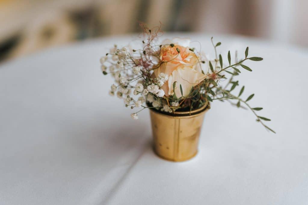 Hochzeit_Kuenkele_Muehle_Blumen