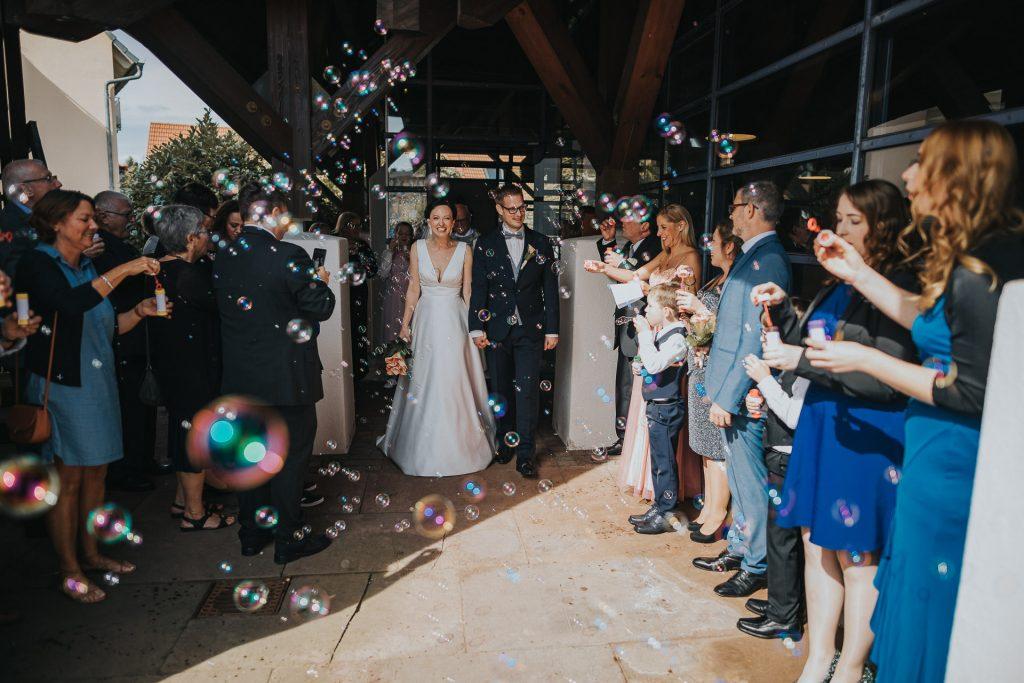Hochzeitsfotograf Bodensee Konstanz Auszug Brautpaar