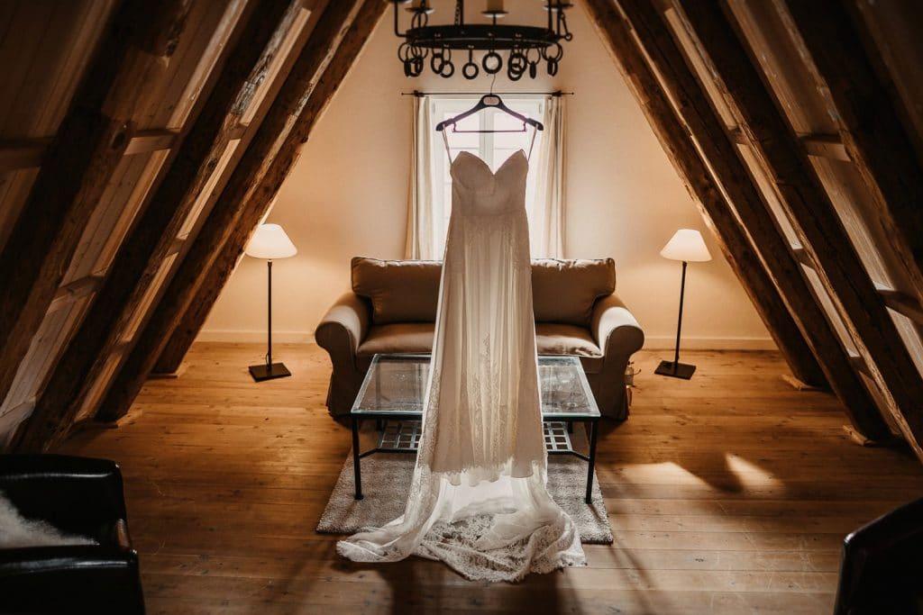 Hochzeit Maisenburg Brautkleid