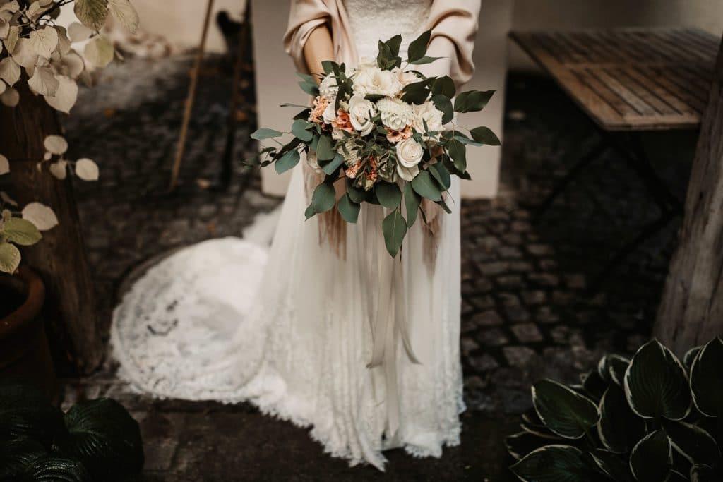 Hochzeitsfotograf Maisenburg Brautstrauss