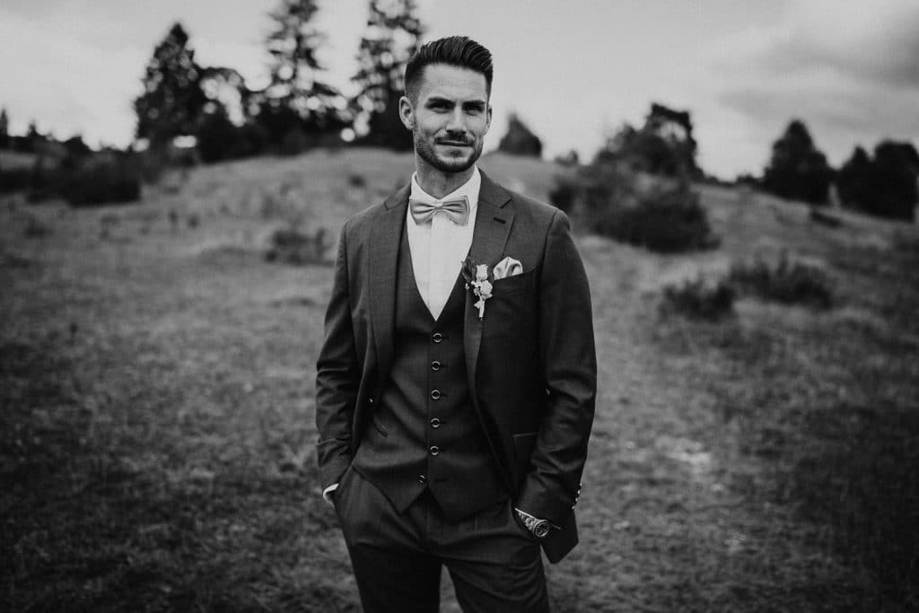 Hochzeitsfotograf Maisenburg Fotoshooting Bräutigam