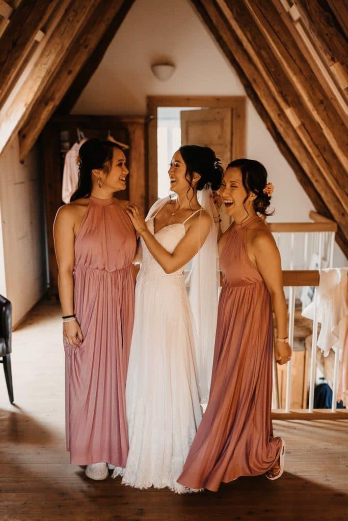 Hochzeit Maisenburg Getting Ready Braut Schwestern