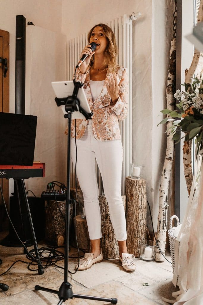 Hochzeit Maisenburg Rebecca Jäger singt