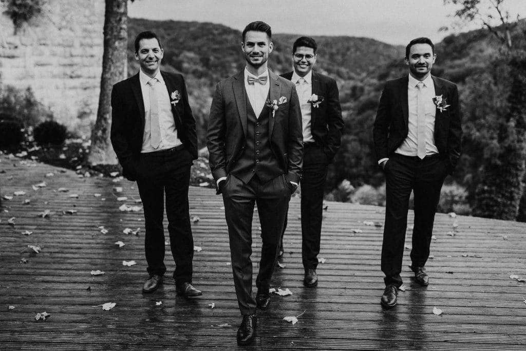 Hochzeit Maisenburg Gruppenbild Schwarzweiss