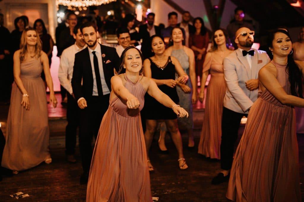 Hochzeit Maisenburg Tanzfläche Frauen